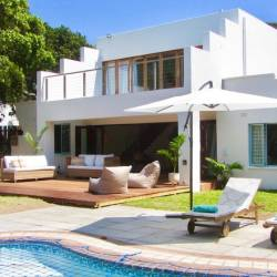 1476 Woodlands Beach Villa Deck Area Thm